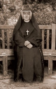 (EN) Prayer Card St. Faustina on the bench 6x10